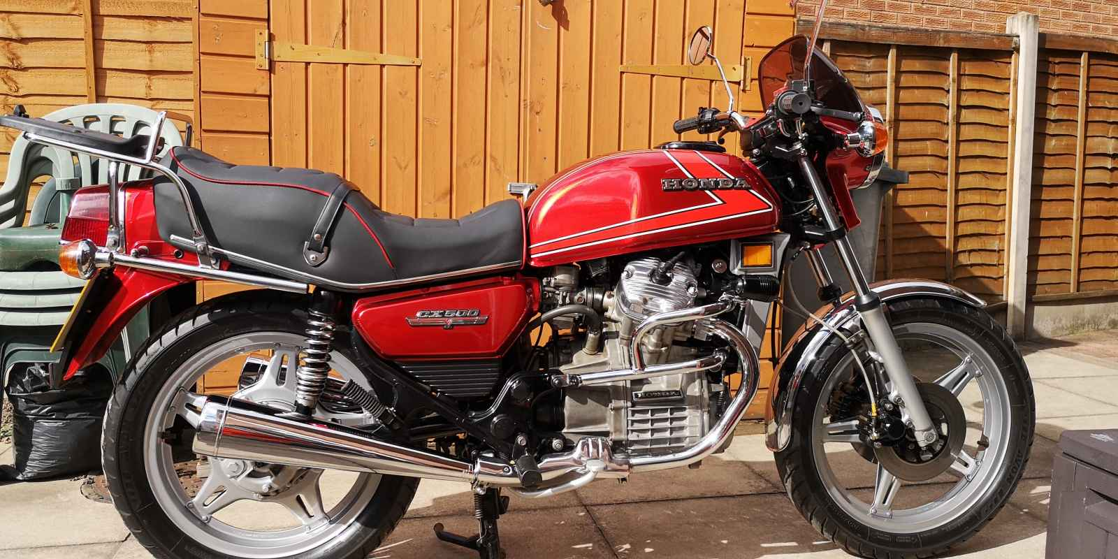 Geoff's CX500A now fitted with standard bars